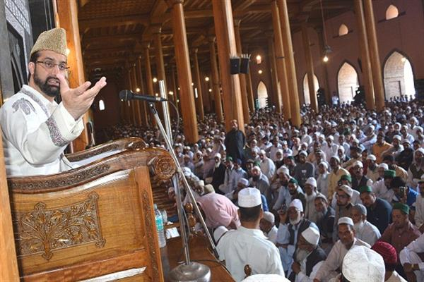 Mirwaiz urges Indo-Pak to stop mayhem, killings at border
