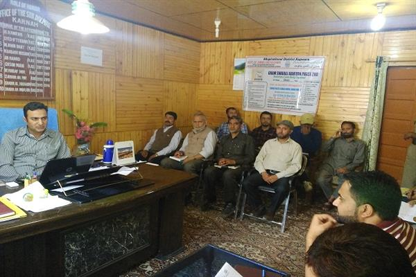 SDM Karnah reviews performance under Gram Swaraj Abhiyan