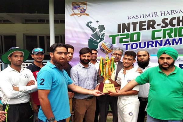 SP School lifts Kashmir Harvard inter-school tourney title