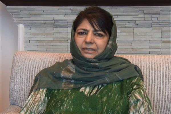 Mehbooba condemns killing of Police jawans in Shopian