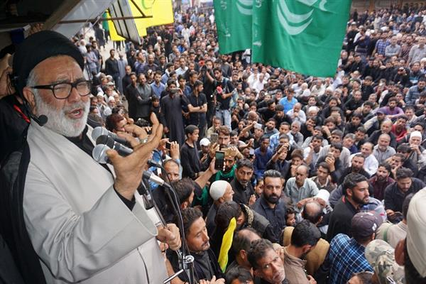 Aga Hasan leads Muharam procession in Magam