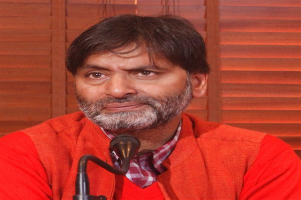 Harassment of Kashmiri students shows India is a banana republic: Yasin Malik