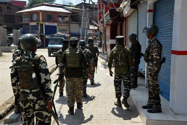 3 militants, cop killed in Fateh Kadal gunfight