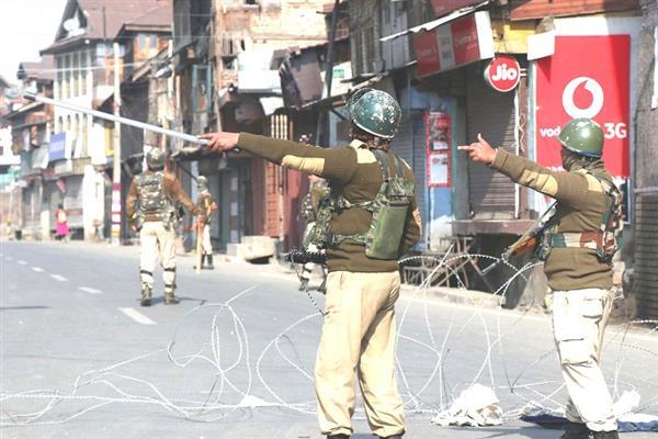 Restrictions continue in old Srinagar parts for third consecutive day