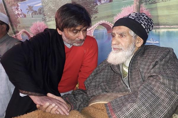 Yasin Malik, Kalwal released after 20 days