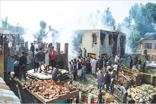 Blast at encounter site kills civilian in Kulgam