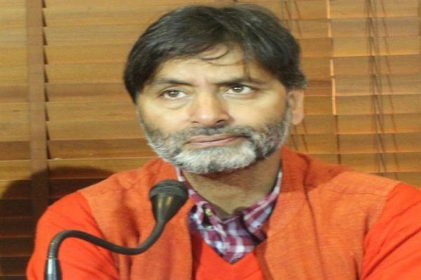 Yasin Malik pays tribute to Bijebihara martyrs on their anniversary