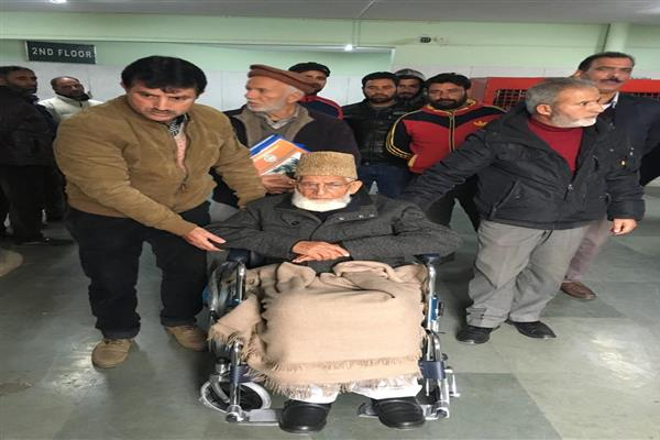 Geelani shifted to SKIMS for medical check-up