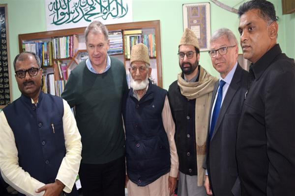 Help stop daily killings in Kashmir, resolve Kashmir issue: JRL tells former Norway PM
