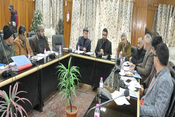 Recognize important role of dry fruit industry in Srinagar's economic growth: DC