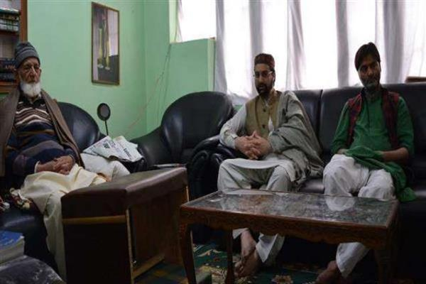 JRL calls for 3 day shutdown, protest march on Monday Dec 17 against Kashmir ...