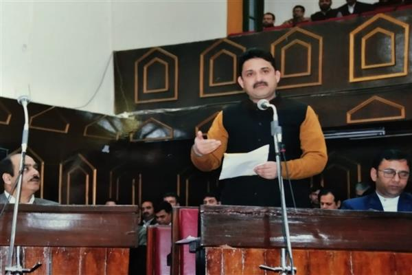 CEO Bandipora crossed all records of corruption: Yasir Reshi