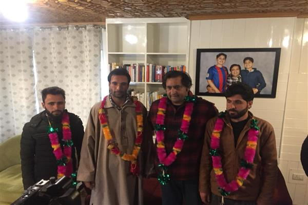 Prominent social activist Lateef Khan joins Peoples Conference