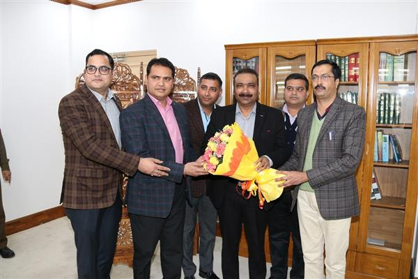 JKPS officers call on DGP