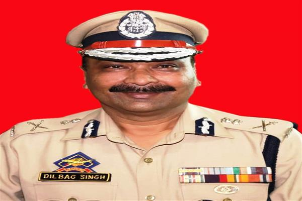 DGP rewards BSF constable for his quick response to militant attack