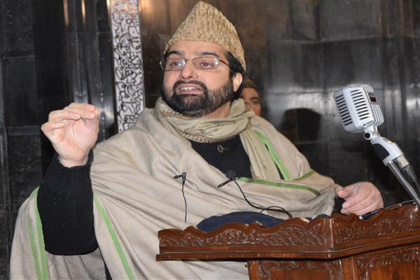 Prove sincerity, address cause for which youth take up arms: Mirwaiz to Guv