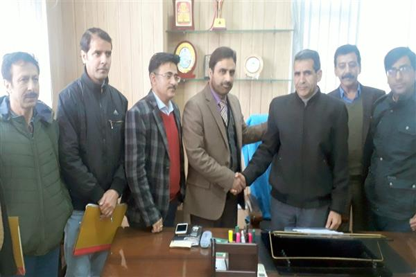 Guzlar Dar assumes office as Dir Information