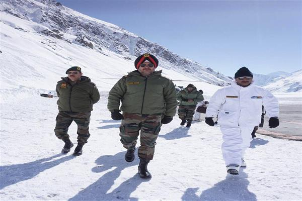 Northern army commander visits forward posts in western Ladakh