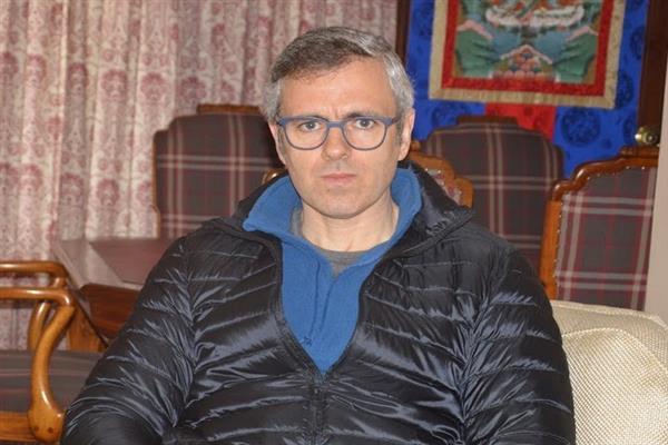 Officers favoring early elections in JK threatened, alleges Omar