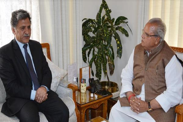 Advisor Ganai meets Governor