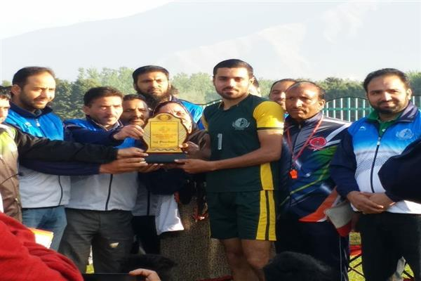 JKASC hails Muzamil, Suhail for winning college road race