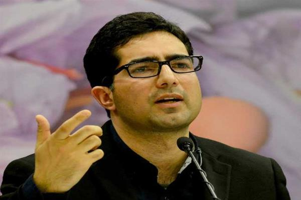 Vehicle carrying perishable food items be exempted from N-H Ban: Shah Faesal