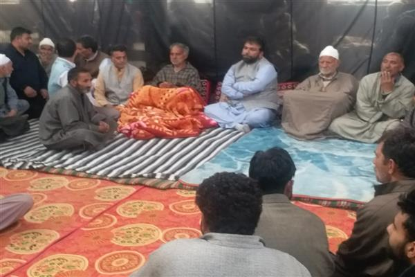 PDP's Aga Mohsin visits slain Pattan's youth's residence