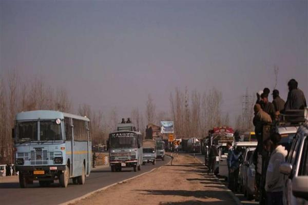 Restrictions lifted in toto on Jammu Srinagar NH 44