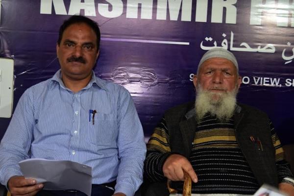 Release Kashmiri political prisoners on or after oath ceremony: JKDFP to GoI