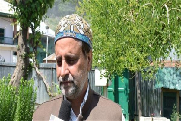 Mian Altaf condemns action against nomadic tribal community in Bandipora