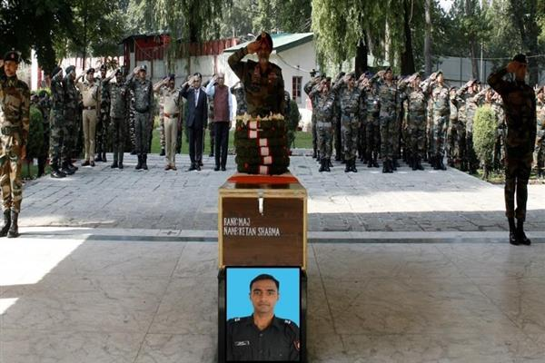 Army pays tribute to its slain Major
