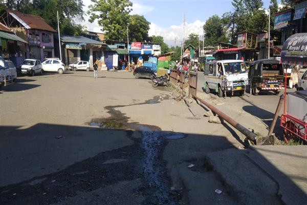 Kulgam residents suffer as authorities shift old bus stand
