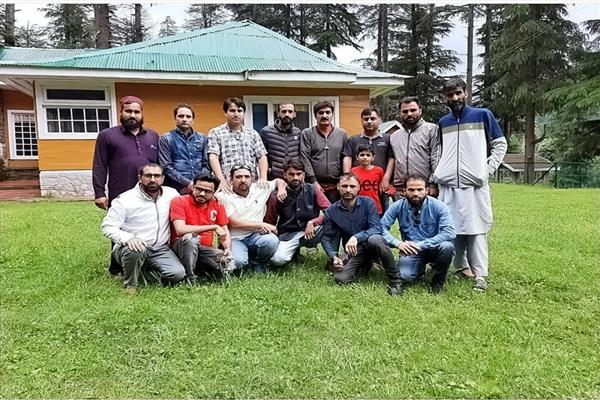 KNS organizes get-together for Media Association Handwara in Reshwari Bangus