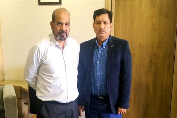 Renzushah meets JK Bank Chairman