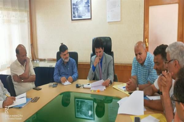 Commissioner SMC reviews AMRUT centrally sponsored Scheme