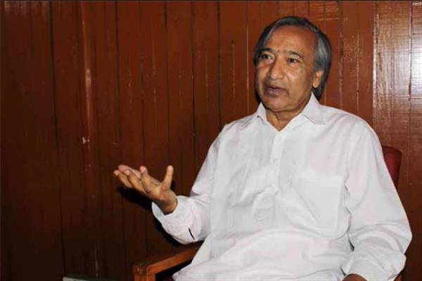 Govt's callous attitude creates uncertainty among peasants, orchardists: Tarigami