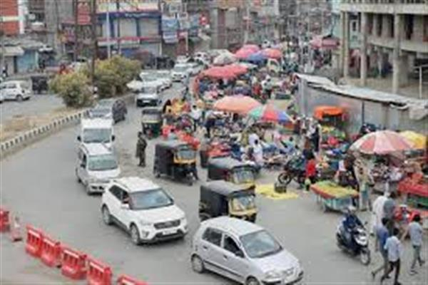 Movement of public transport increasing in Kashmir