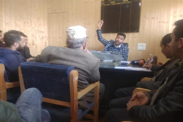 President  MC  Anantnag Chairs Emergency meeting of council members