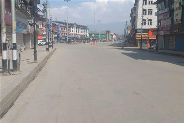 Several Mosques in Srinagar cut short Friday congregational prayers