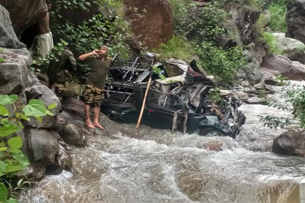 BSF vehicle falls into nallah in Uri