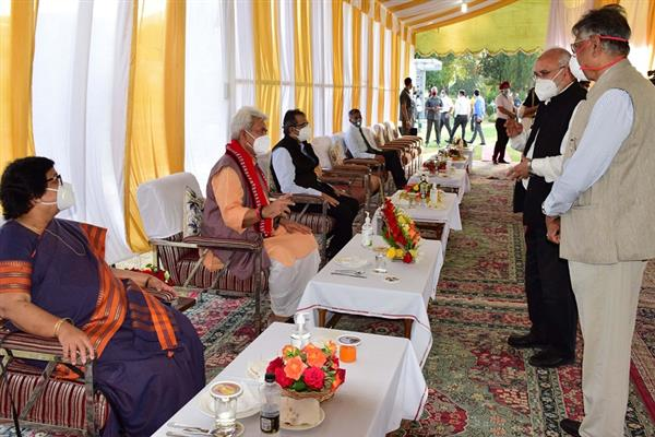 Lt Governor Sinha hosts Independence Day 'At Home'