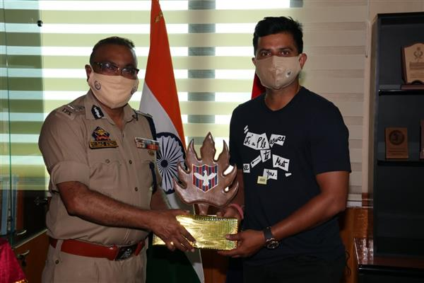 Cricketer Suresh Raina Calls On DGP