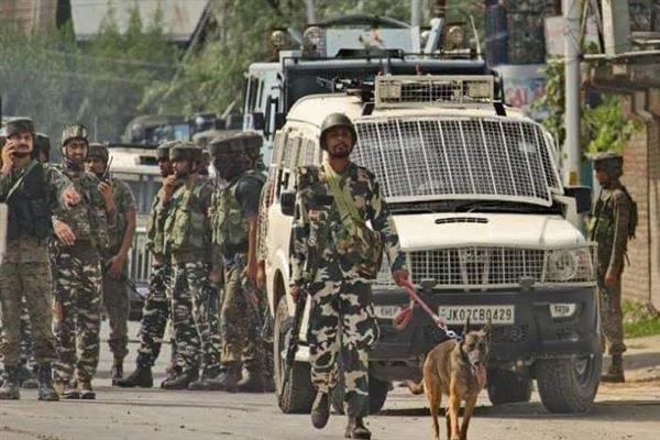Central Kashmir Gunfight: Militant Killed army trooper injured