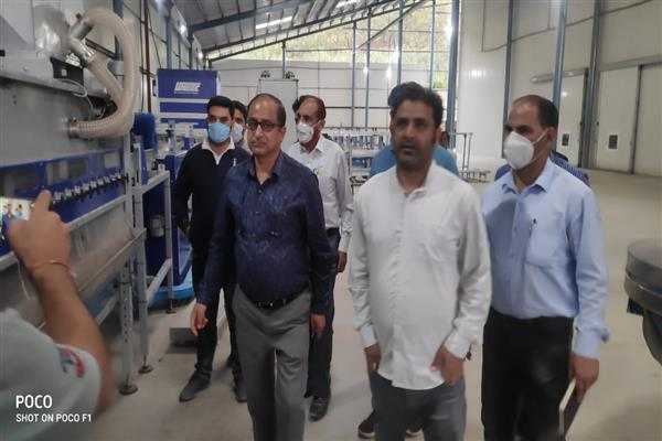 Dir horticulture visits Anantnag inspects various units